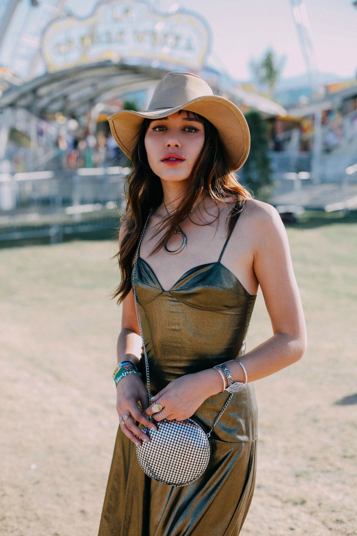 reef-girls-coachella-natalie-off-duty-11